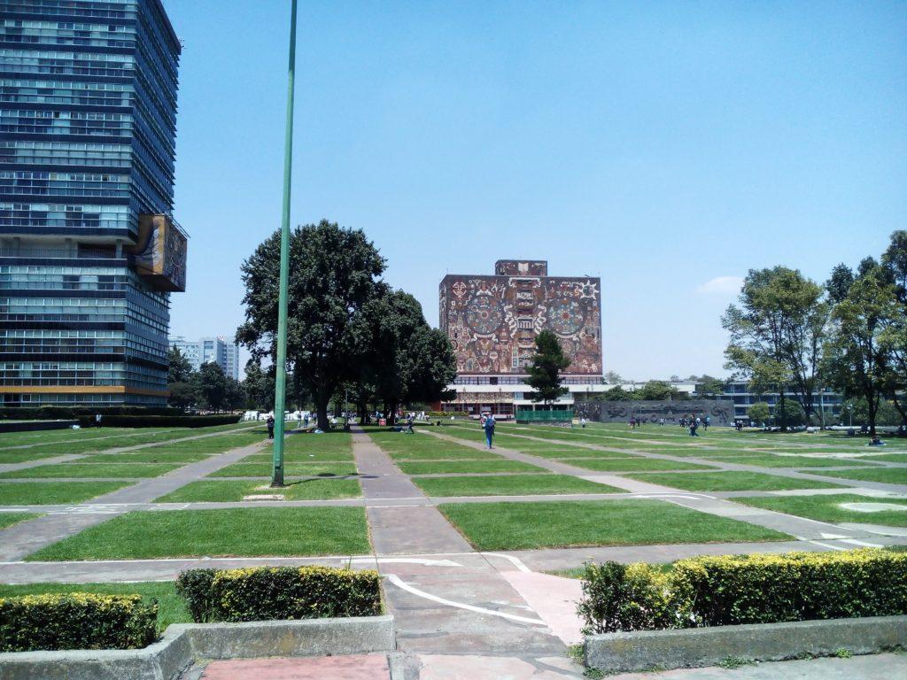 メキシコシティのメキシコ国立自治大学。日墨戦略的パートナーシップの研修生は最初、UNAM付属の語学学校のCEPEで学びます