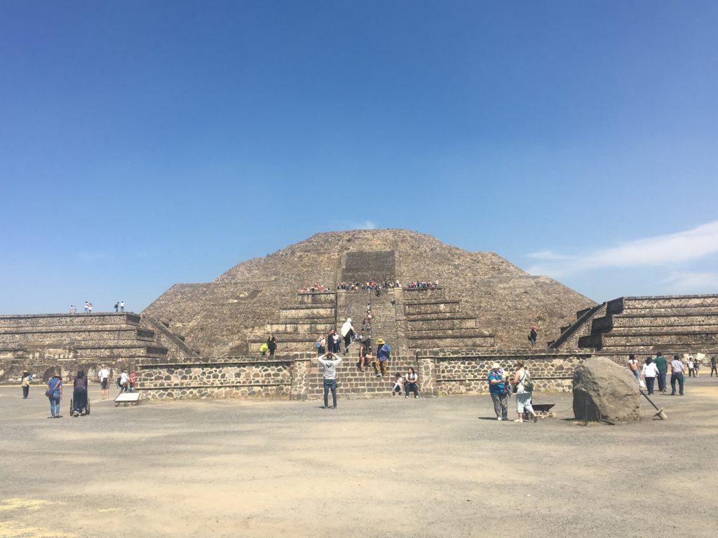 テオティワカン遺跡の最奥部、月のピラミッド