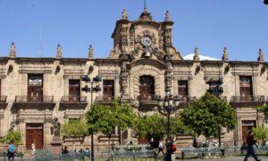 http://www.guadalajaraturistica.com/2011/08/palacio-de-gobierno-jalisco.html