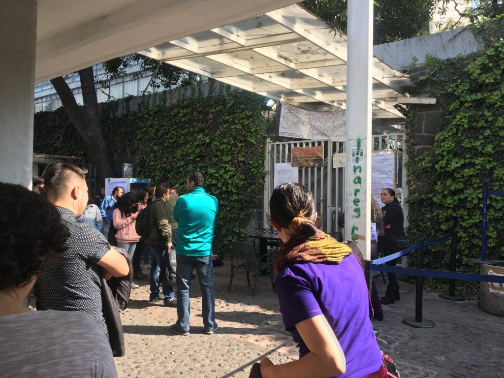メキシコ国立自治大学 デモ