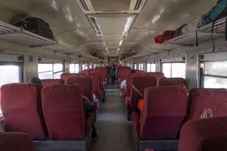 チワワ太平洋鉄道の列車のローカル列車