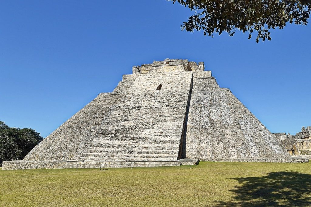 メキシコの世界遺産ウシュマル遺跡
