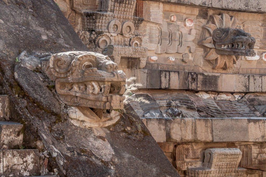 テオティワカン遺跡,ケツァルコアトルの神殿